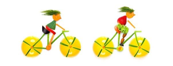 Cyklisté z ovoce a zeleniny.