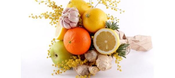 Citrusy, jablko, česnek, zázvor
